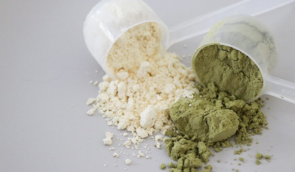 Supplement powder with magnesium helps you sleep better